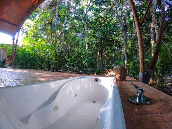 エコリゾート 持続可能 サステイナブル エコ旅行 ヴィーガン エコビレッジ お風呂